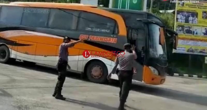 Puluhan Kendaraan Penumpang Dipaksa Putar Balik di Bakauheni