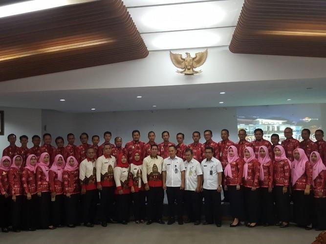 Puluhan Pejabat Lamteng Kaji Banding ke Bandung
