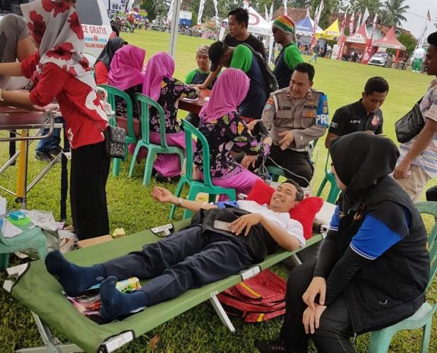 Puluhan Peserta Ikuti Kegiatan Donor Darah HUT ke-72 Bhayangkara di Tulangbawang