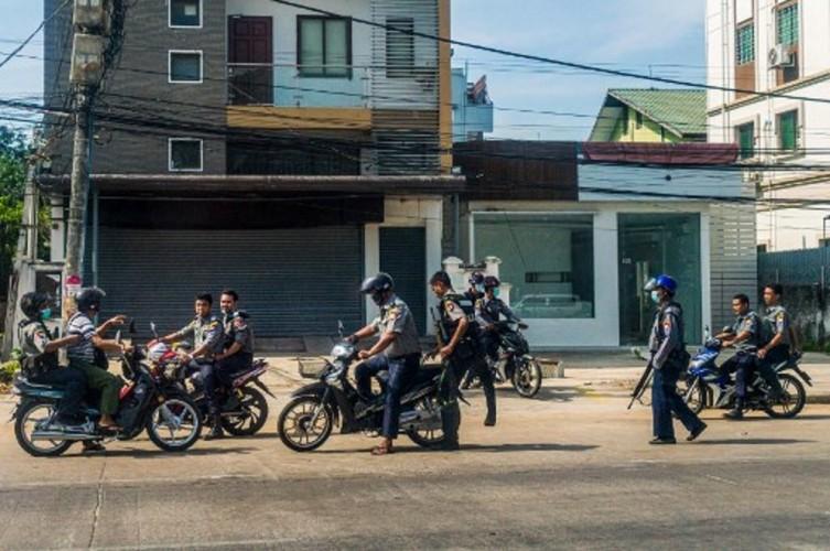 Puluhan Polisi Myanmar Tewas di Tangan Pemberontak