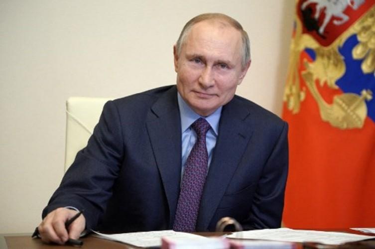 Putin Teken Aturan Bisa Jadi Presiden Rusia Hingga 2036