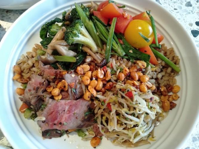 Racik Sendiri, Nikmati Makan Sehat dan Enak