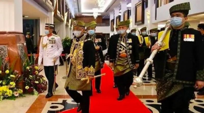 Raja Malaysia: Politikus Jangan Mengacau di Tengah Pandemi