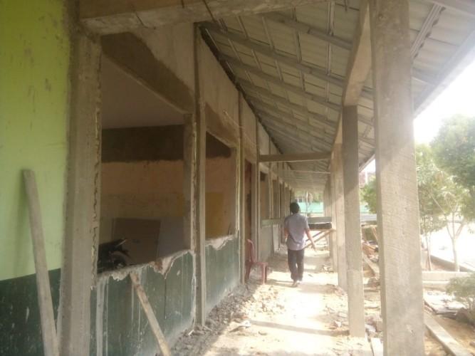 Rangka Baja Rehabilitasi Gedung SD di Tuba Tidak Berstandar SNI