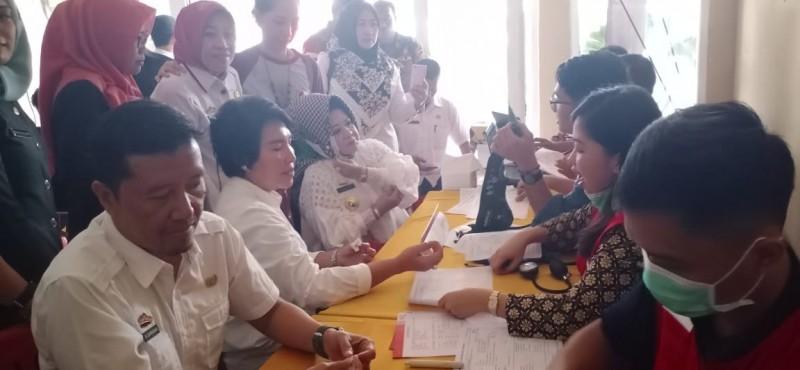Ratusan ASN Pemprov Donor Darah Sambut HUT Ke-56 Lampung