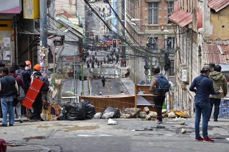 Ratusan Pendukung Morales Menuju Ibu Kota Bolivia