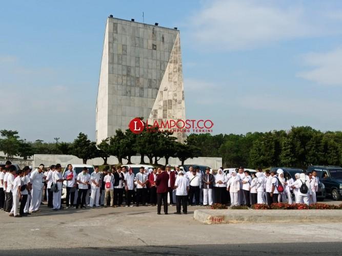 Ratusan Perawat Tubaba Datangi Kejari Lampung Utara