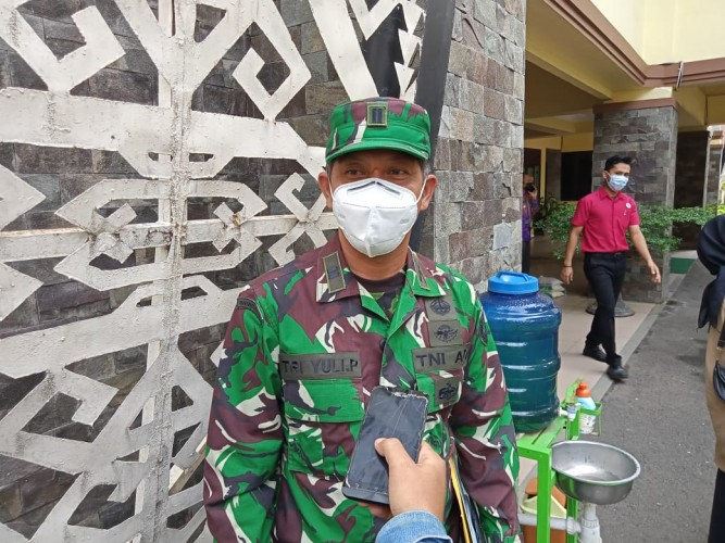 Ratusan Tentara Jaga PPKM Mikro Kota Metro