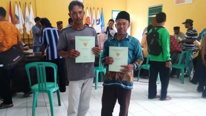 Ratusan Warga Bumirestu TerimaSertifikat PTSL