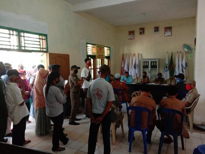 Ratusan Warga Tak Dapat BLT Geruduk Kantor Desa Klaten