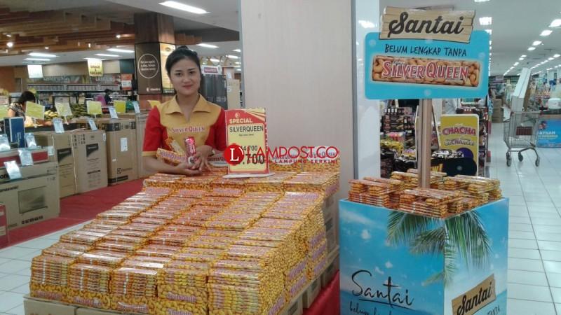 Rayakan Hari Pelanggan Nasional, Chandra Gelar Clearence Sale
