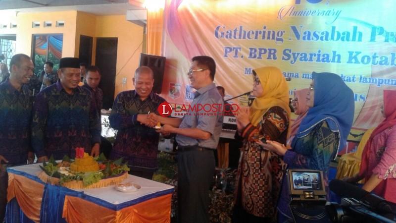 Rayakan Milad Ke-10, BPR Syariah Kotabumi Gelar Gathering Nasabah Prioritas