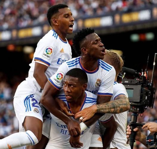 Real Madrid Taklukkan Barcelona 2-1 di Camp Nou