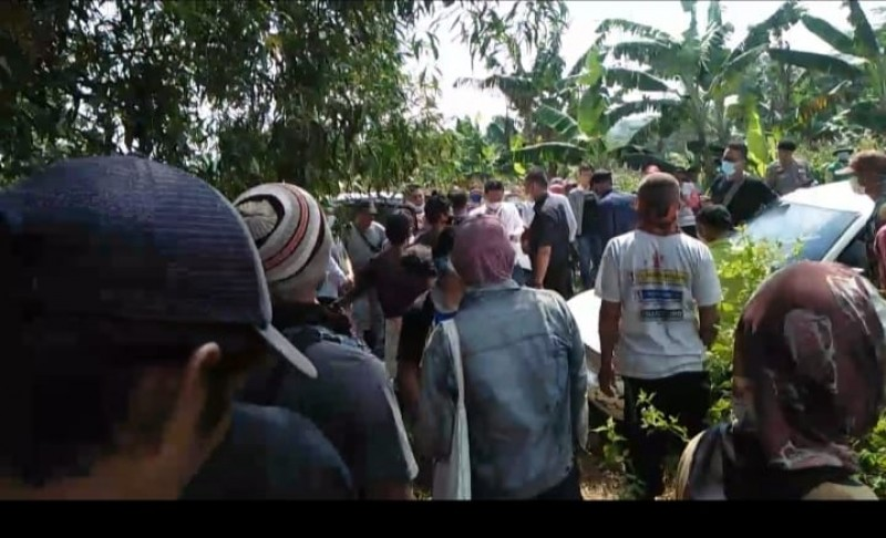Rebutan Lahan, Ormas dan Warga Desa Karangsari Bentrok