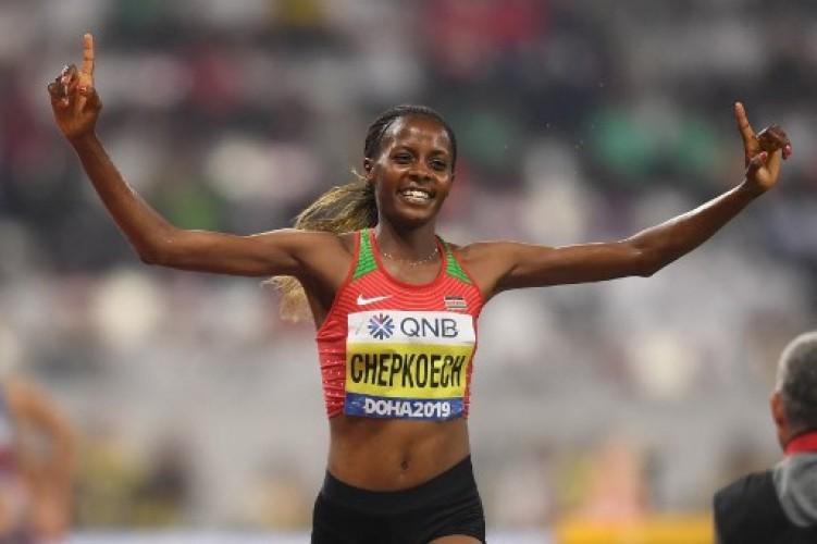 Rekor Dunia, Wanita Ini Lari 5 Km Cuma dalam 14 Menit