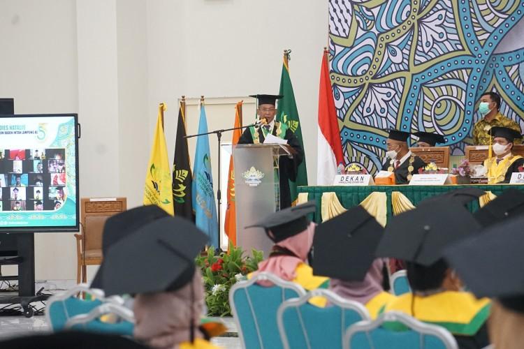Rektor UIN Harap Wisudawan Mampu Menangkap Perubahan Zaman