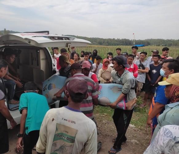 Remaja di Pringsewu Tewas Usai Tolong Kawan Tenggelam di Way Sekampung