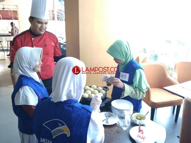 Reporter Cilik Lampung Post Ikuti Kelas Memasak Emersia