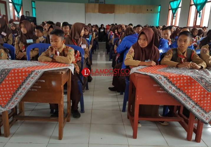 Respons Kemenag soal Pembatalan SKB 3 Menteri Seragam Sekolah