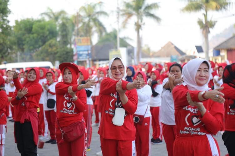 Riana Sari Ajak Masyarakat Senam Jaga Kesehatan Jantung