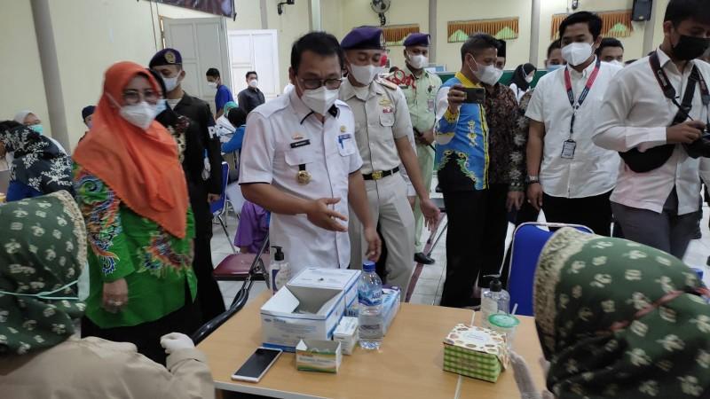 Ribuan Mahasiswa Ikuti Vaksin di IAIN Metro