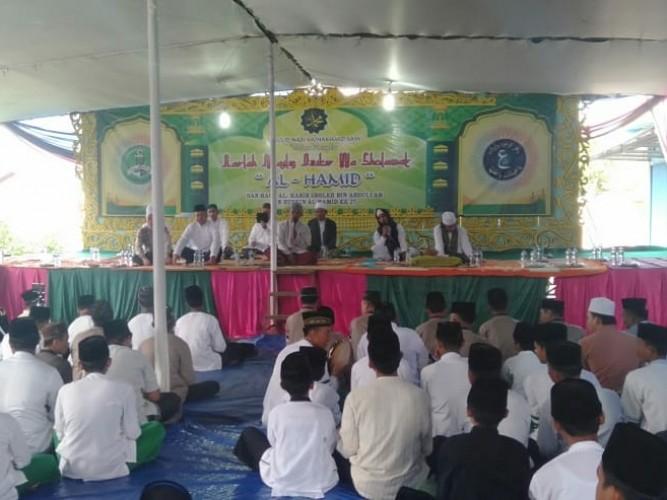 Ribuan Warga Hadiri Pengajian Akbar di Kotaagung