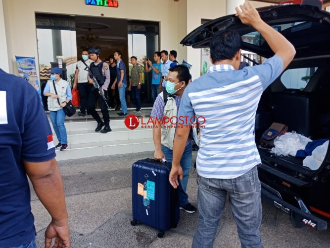 Ruang Kerja Wakil Bupati Nanang Tak Luput dari Penggeledahan KPK