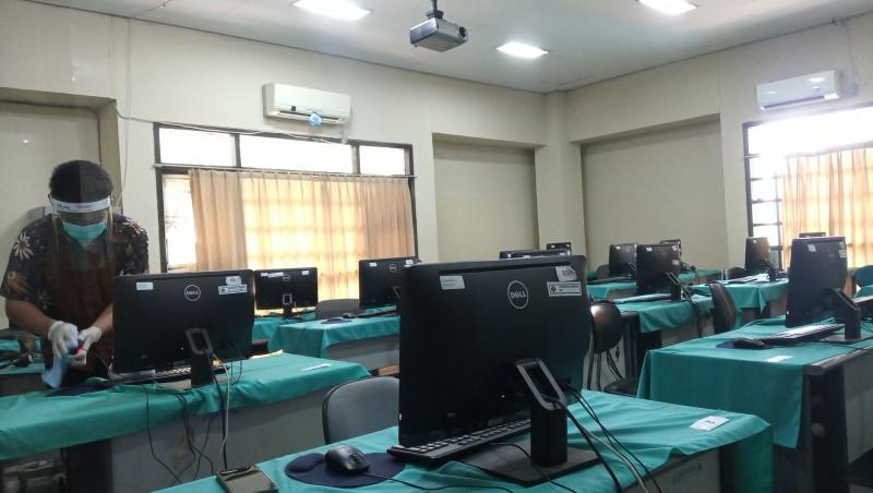 Ruangan UTBK-SBMPTN Disterilisasi Sebelum dan Sesudah Ujian