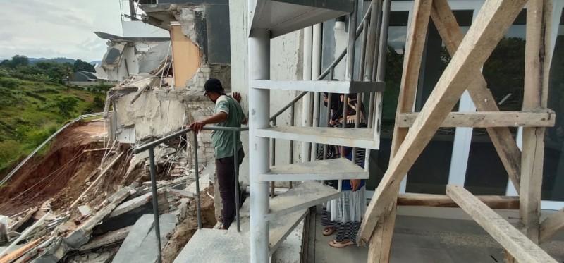Rumah Ambruk di Citra Land Berada di Tanah Hasil Timbunan