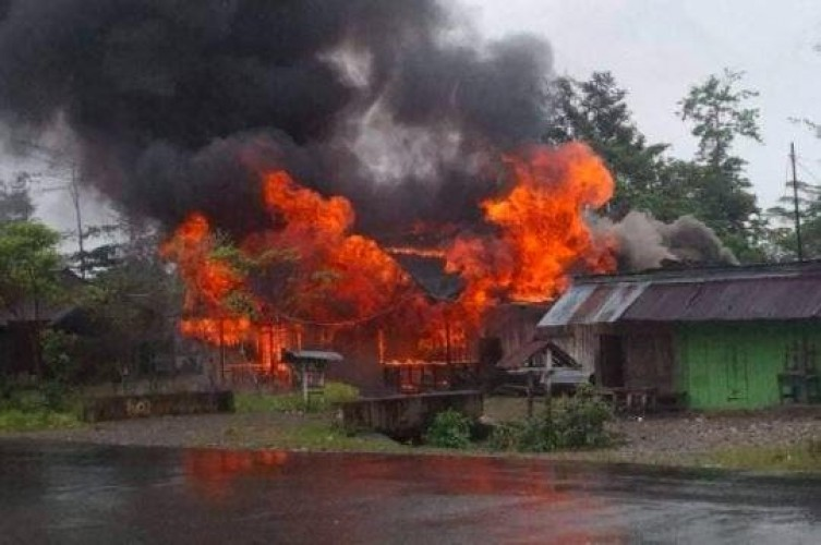 Rumah dan Hotel Jadi Sasaran Pembakaran Kericuhan di Yahukimo