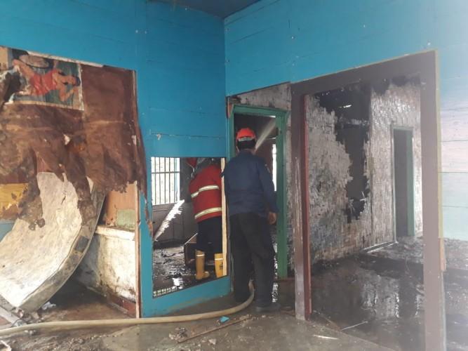 Rumah di Kupang Kota Diduga Sengaja Dibakar