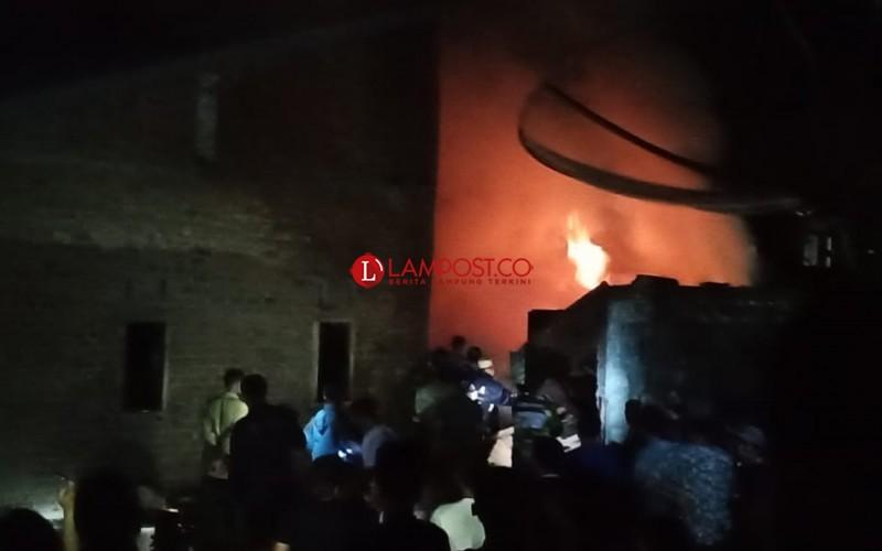 Rumah Warga Bukit Kemuning Nyaris Ludes Terbakar