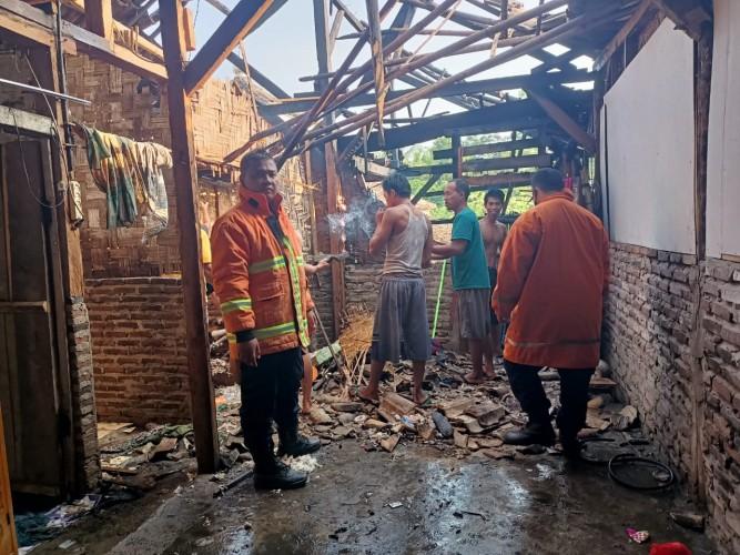 Rumah Warga Kekiling di Lamsel Terbakar karena Tabung Gas Bocor