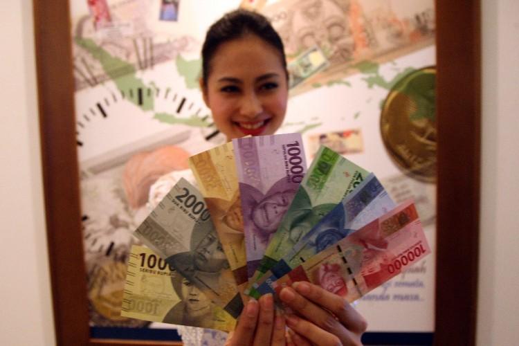 Rupiah Dibuka Tertekan ke Rp14.613/USD