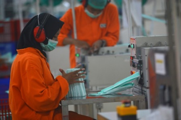 RUU Ciptaker Berpotensi Renggut Hak Buruh Perempuan