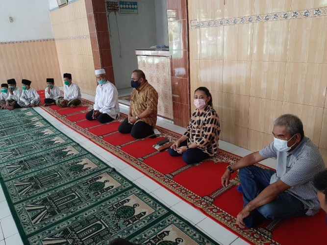 Sambangi Ponpes Raudathul Jannah, CEO Media Group Beri Motivasi dan Semangat Belajar