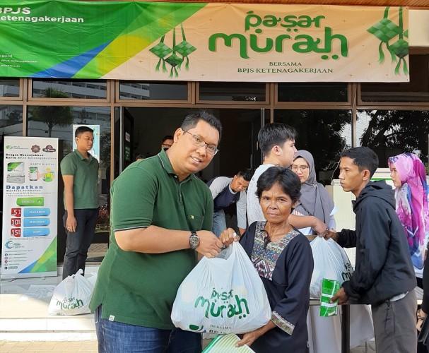 BPJSTK Bandar Lampung Bagikan 600 Paket Sembako Murah