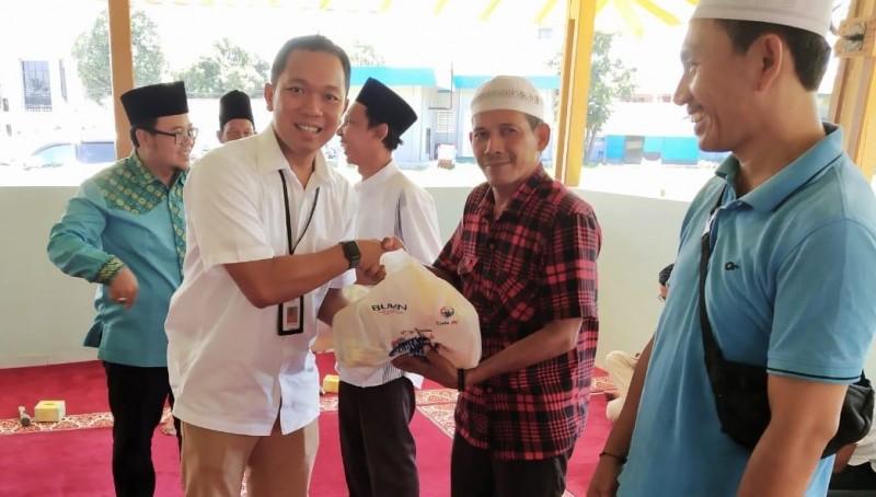 Sambut Ramadan, Pelindo Panjang Bagi-bagi Paket Sembako Gratis
