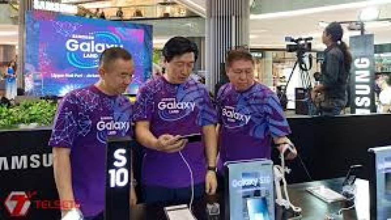 Samsung - Erajaya Group Gelar Galaxy Land