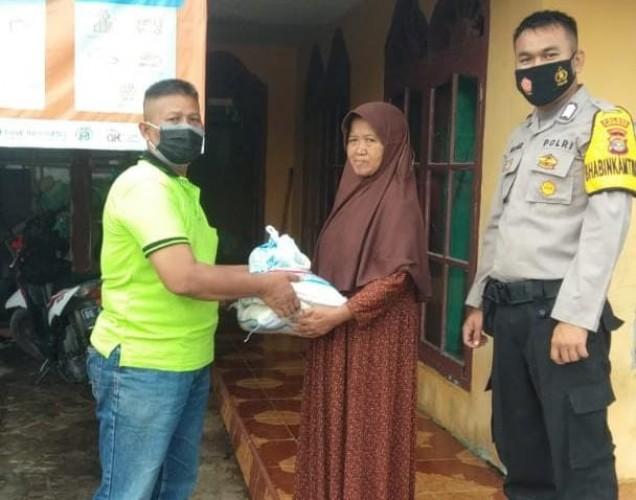 Satgas Covid-19 Desa Cukupi Sembako Pasien Terkonfirmasi