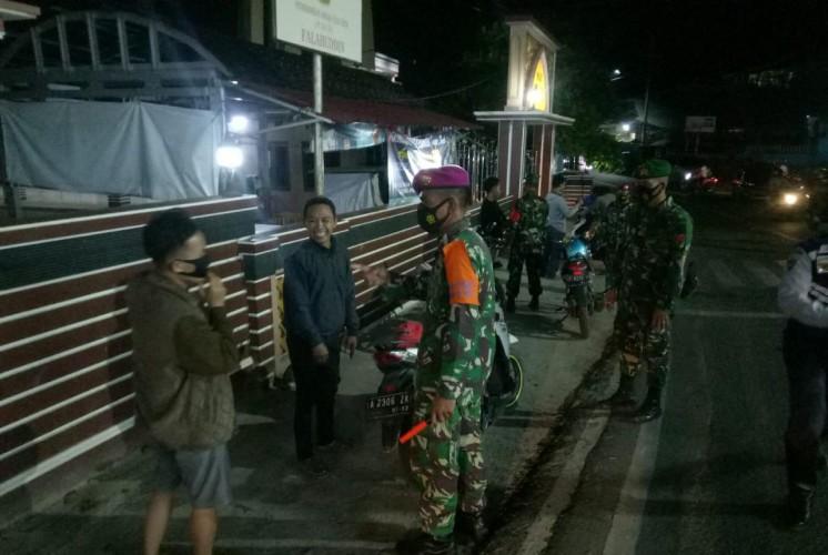 Satgas Covid-19 Kota Patroli Prokes Hingga Malam Hari