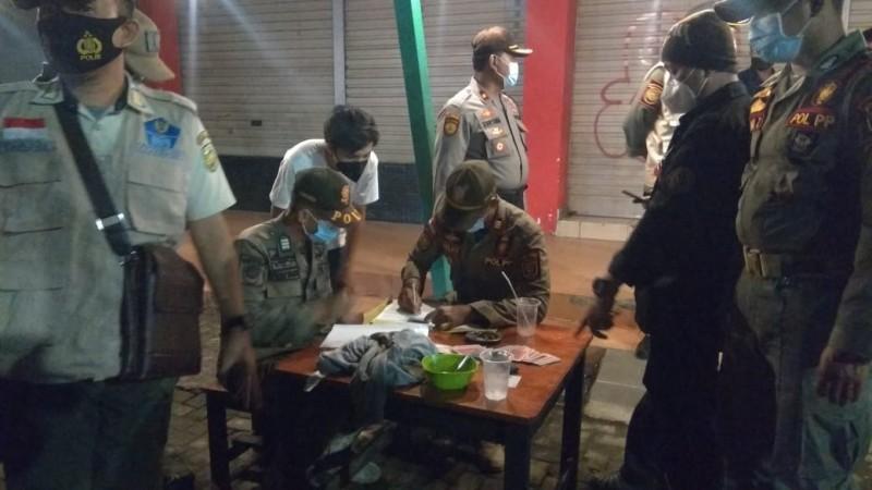 Satgas Covid-19 Siap Bubarkan Kafe dan PKL Bandel