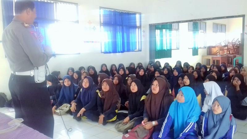 Satlantas Adakan Police Goes to School di SMKN 1 Baradatu