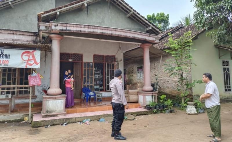Satu Rumah di Way Sulan Tersambar Petir