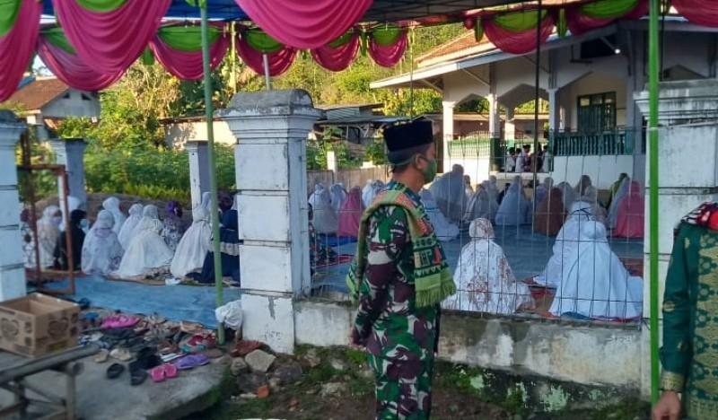 Sebagian Warga Lambar Pilih Salat Id di Masjid