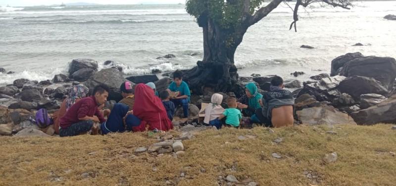 Sejumlah Warga Kunjungi Objek Wisata di Lamsel