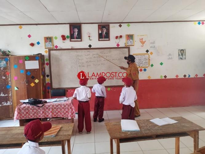 Sekolah Tatap Muka di Lambar Dinilai Berjalan Lancar