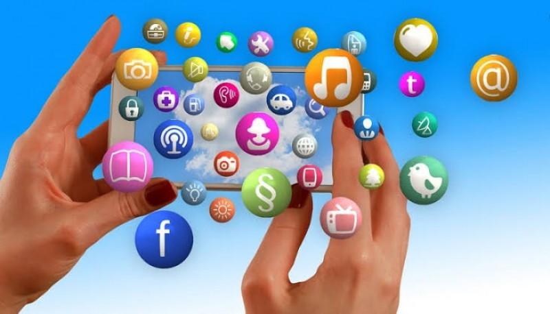 Separuh Populasi Warga Indonesia Belum Nikmati Internet