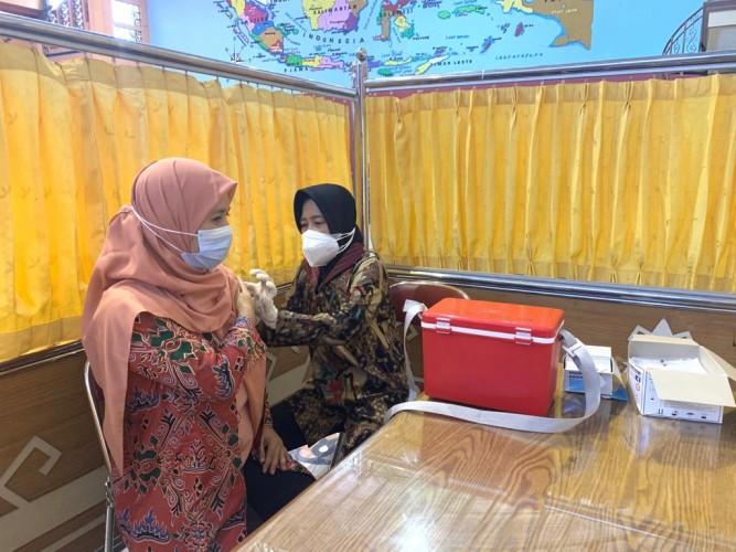Serbuan Vaksin TNI Gandeng Teknokrat Sukseskan Sejuta Vaksin per Hari