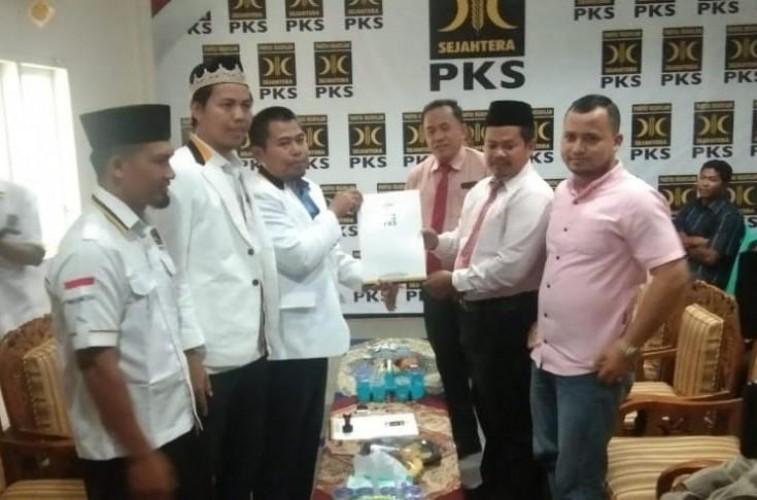 Serius Maju Pilkada, Praktisi Hukum Kembalikan Berkas Pilbup Lamsel ke PKS